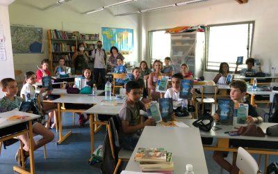 Calculatrices et livres offerts aux élèves de CM2